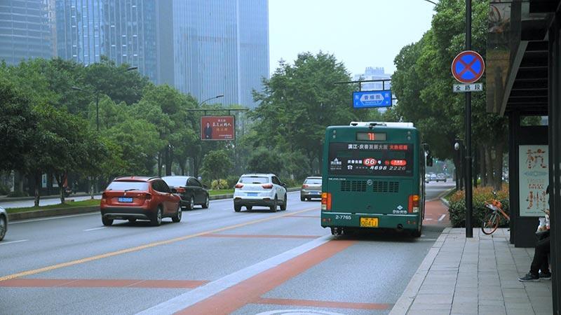Hangzhou E-Bus Application Scene (Already Running 680,000)
