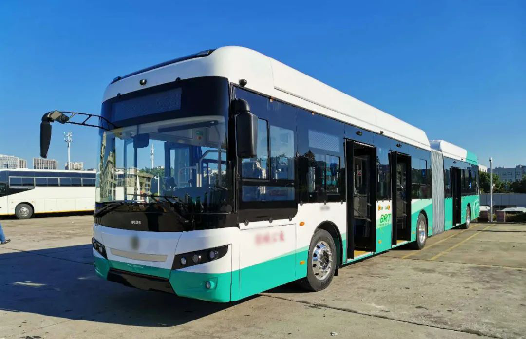 news-BIG MAC18-METER BATTERY ELECTRIC BUS USING VT MOTOR CONTROLLERS 2020-05-18 READ MORE-VT Technol-1